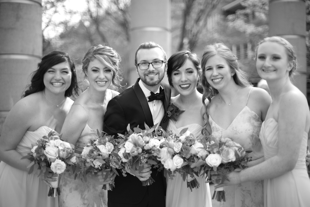 groom_and_bridesmaids