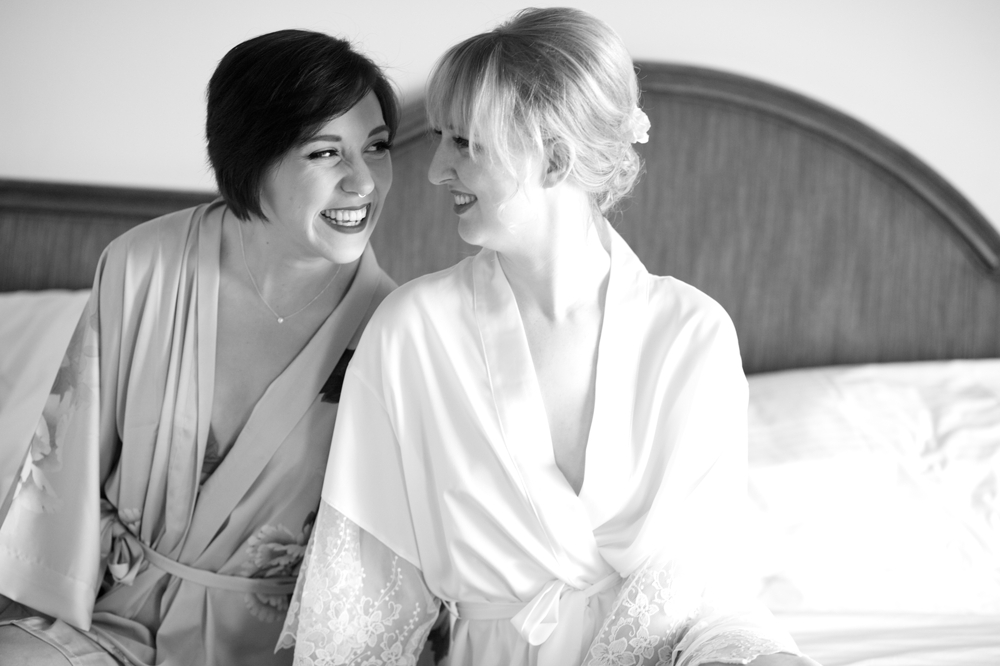 bride_and_bridesmaid_getting_ready