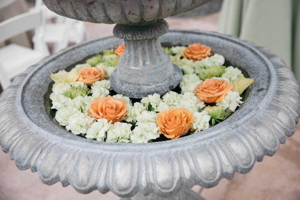 bird_bath_with_flowers