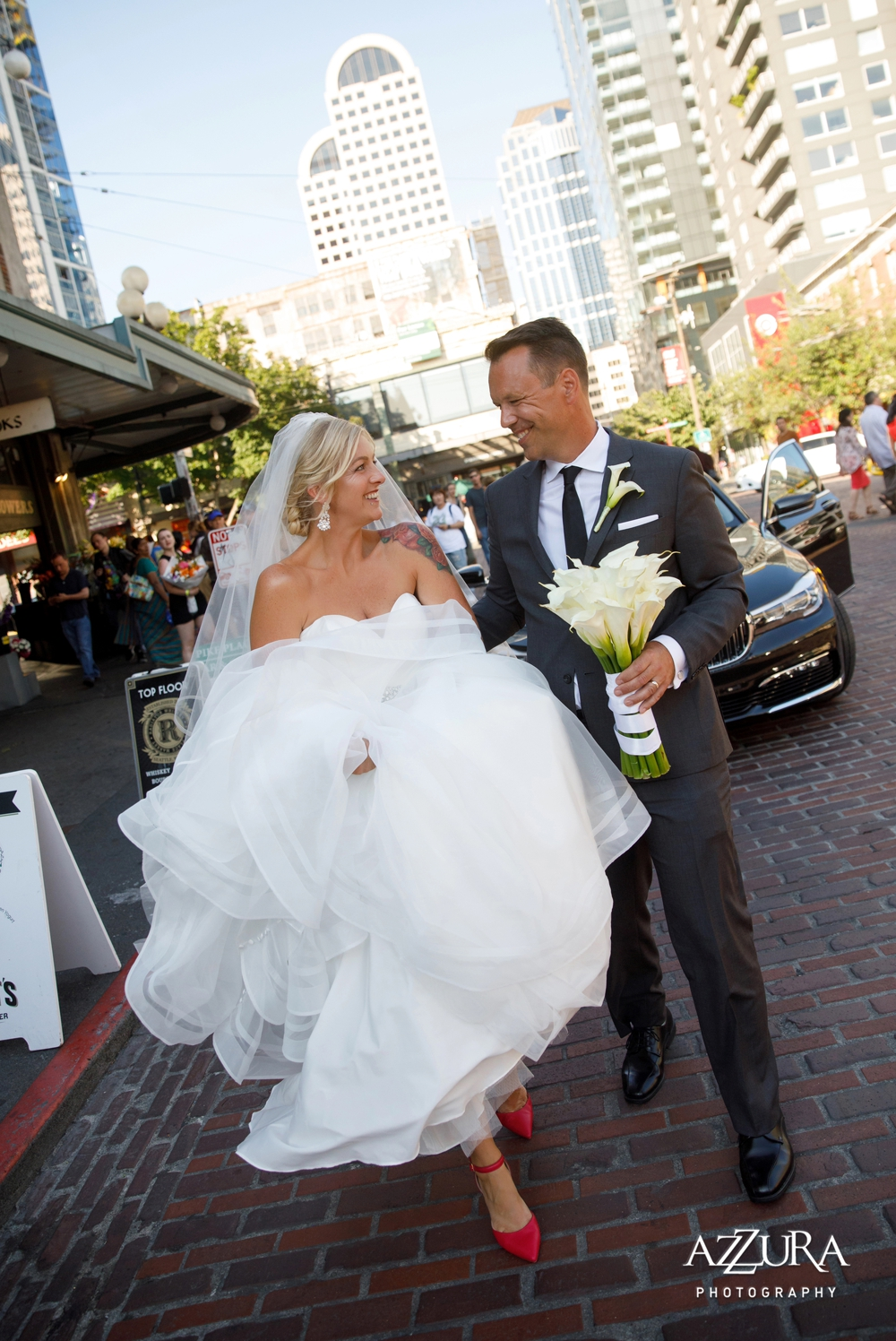 bride_and_groom_walk_downtown