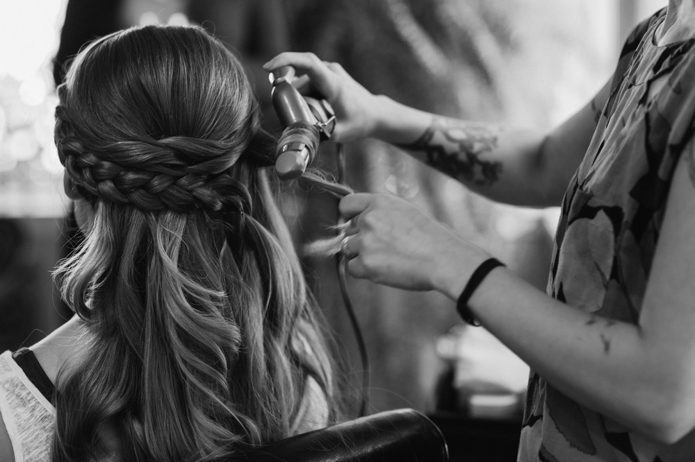 curling_bridesmaids_hair
