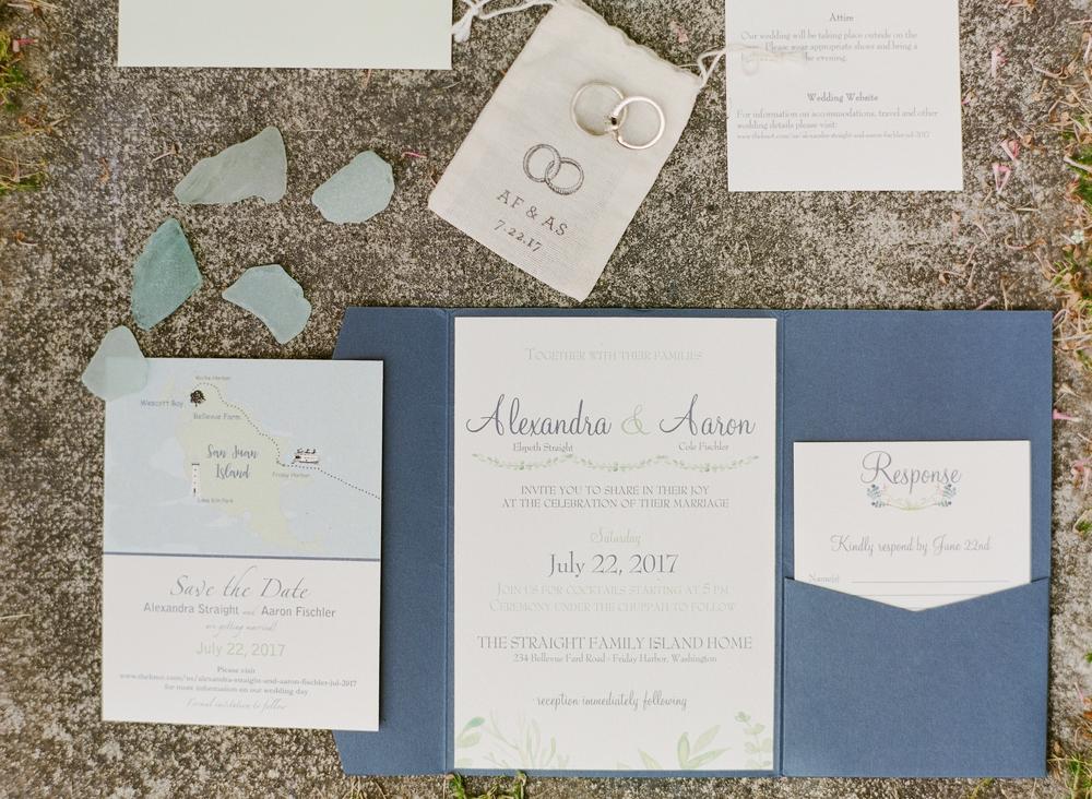 blue_white_wedding_invitations
