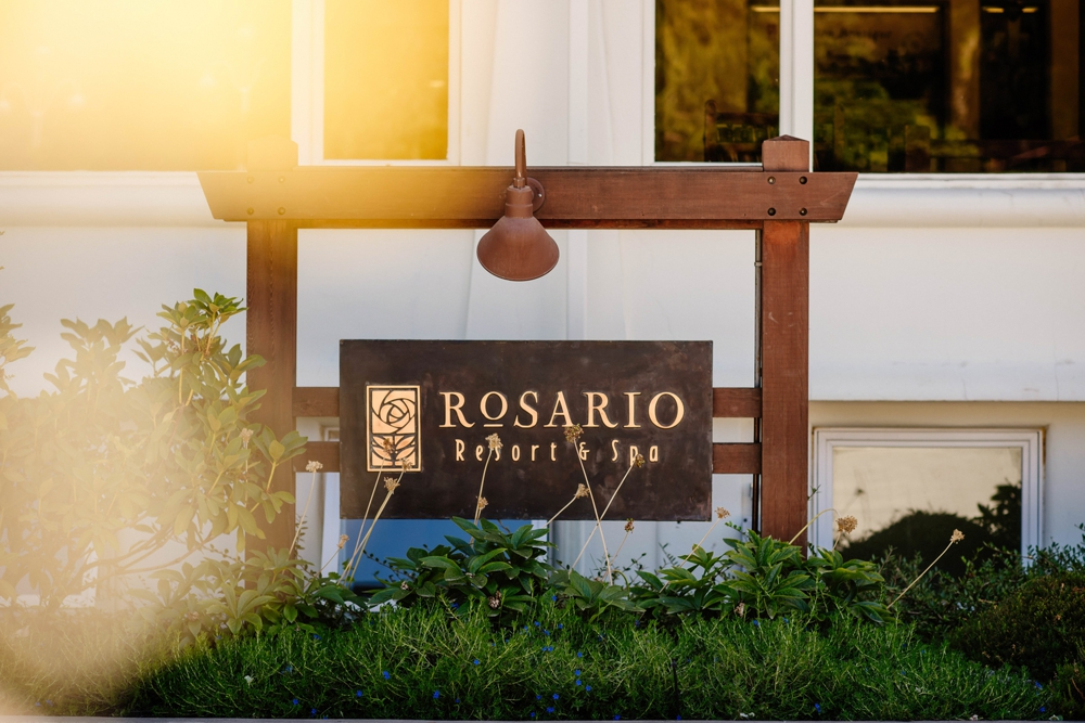 rosario-resort-sign