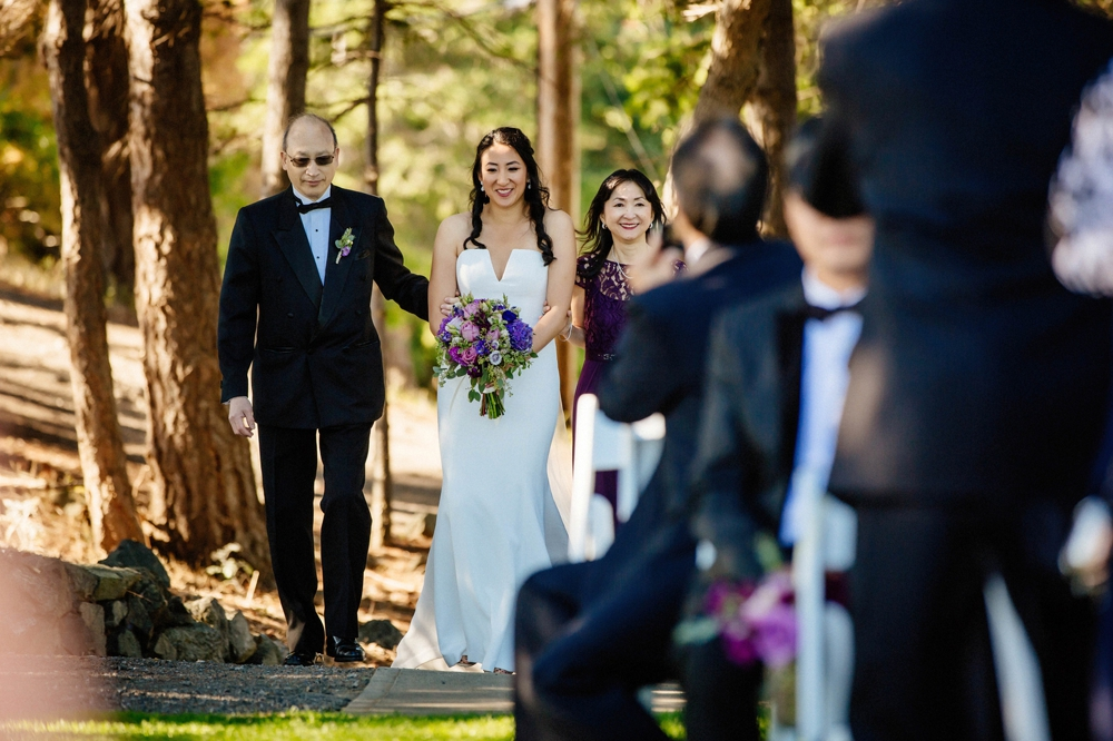 father-walking-bride-down-the-aisle