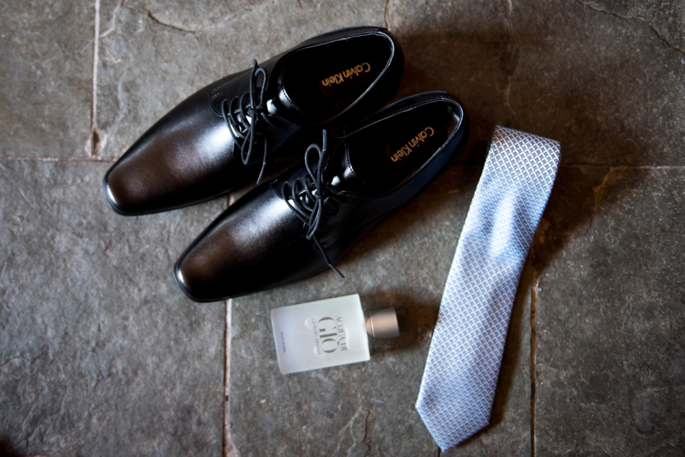 grooms_shoes_and_tie