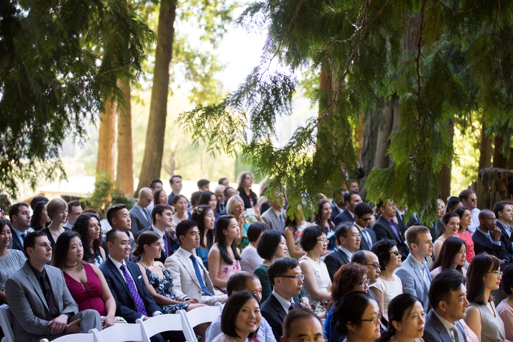 wedding-guests-seated-at-delille-cellars
