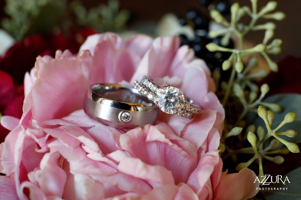 wedding-rings-in-pink-flowers