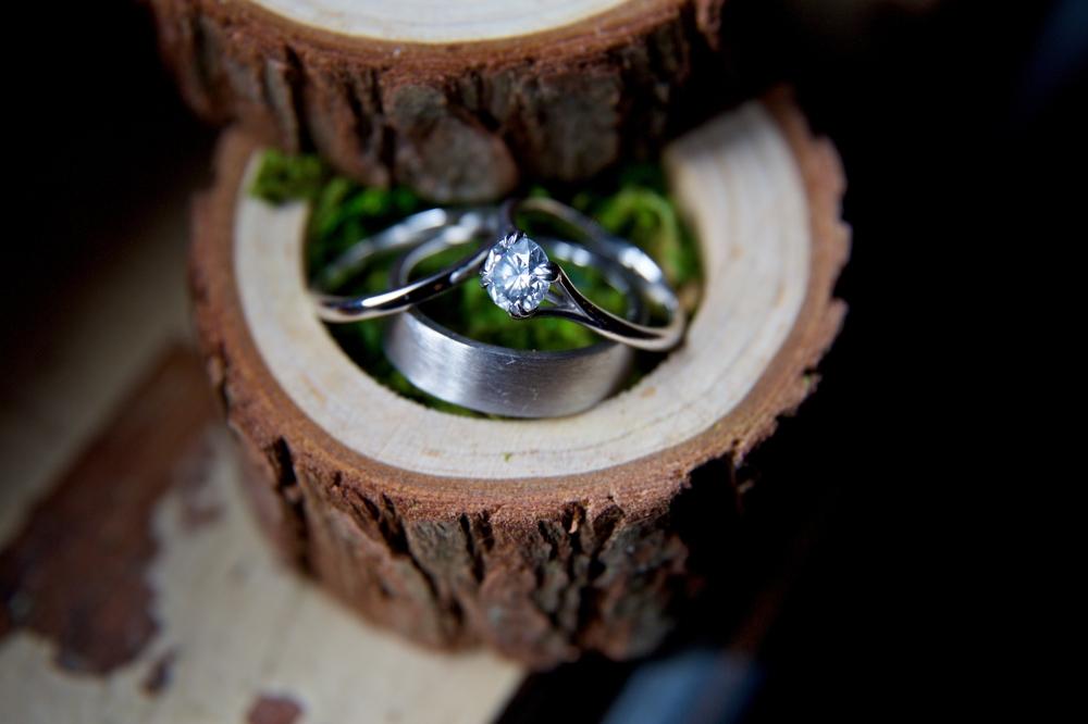 wedding-rings-set-in-wood-box