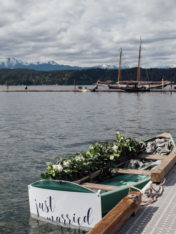 wedding-getaway-boat