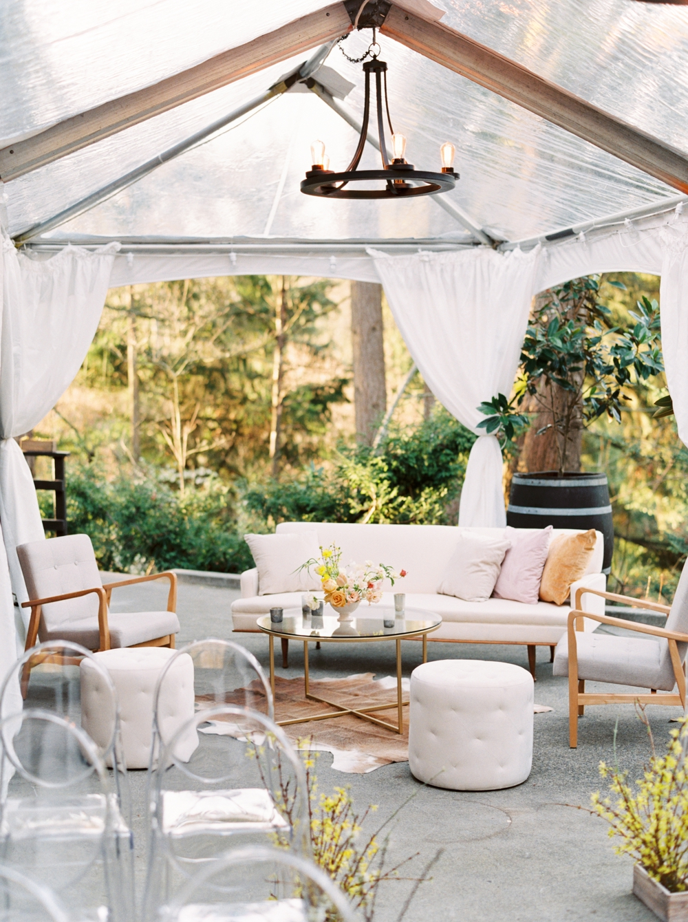 tented-seating-area