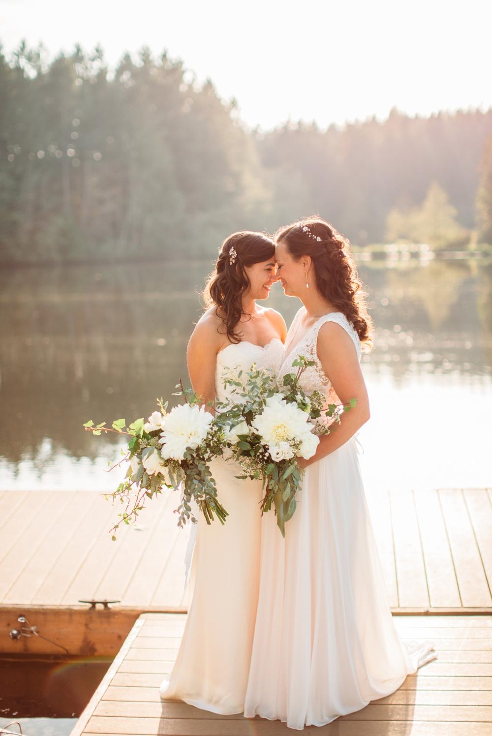 brides-nuzzle-on-dock