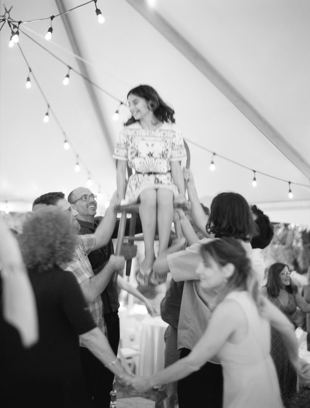 dancing-the-horah