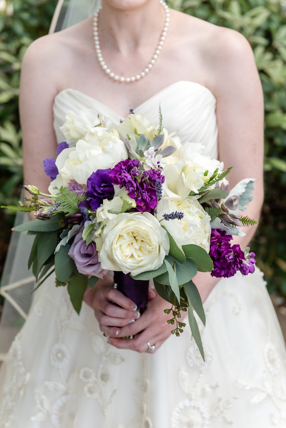 bride-with-purple-flowers