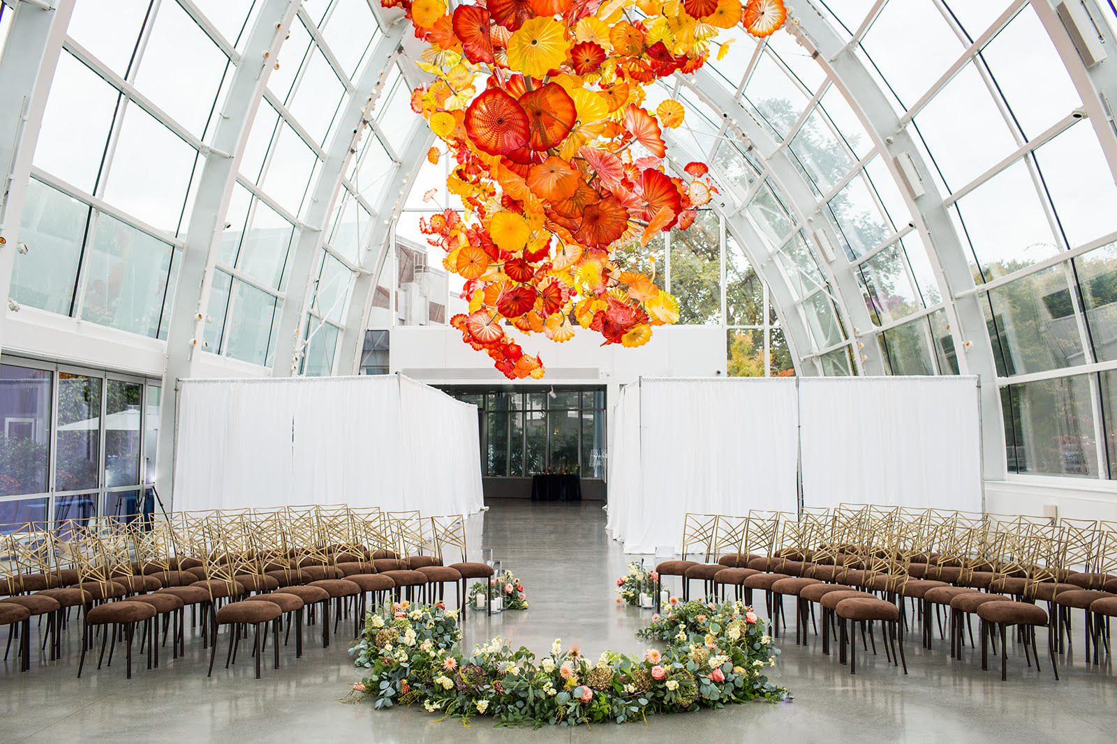 seating in the round for wedding